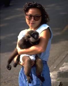 ET saving monkey036